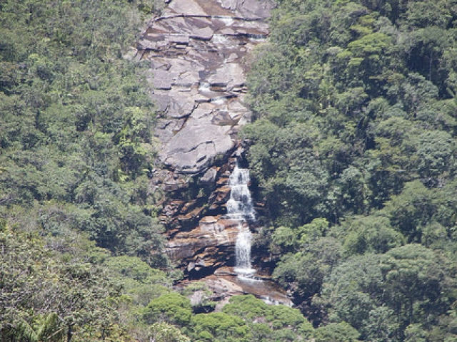 Cachoeira do Calixto vista do mirante do Morro do Castelo